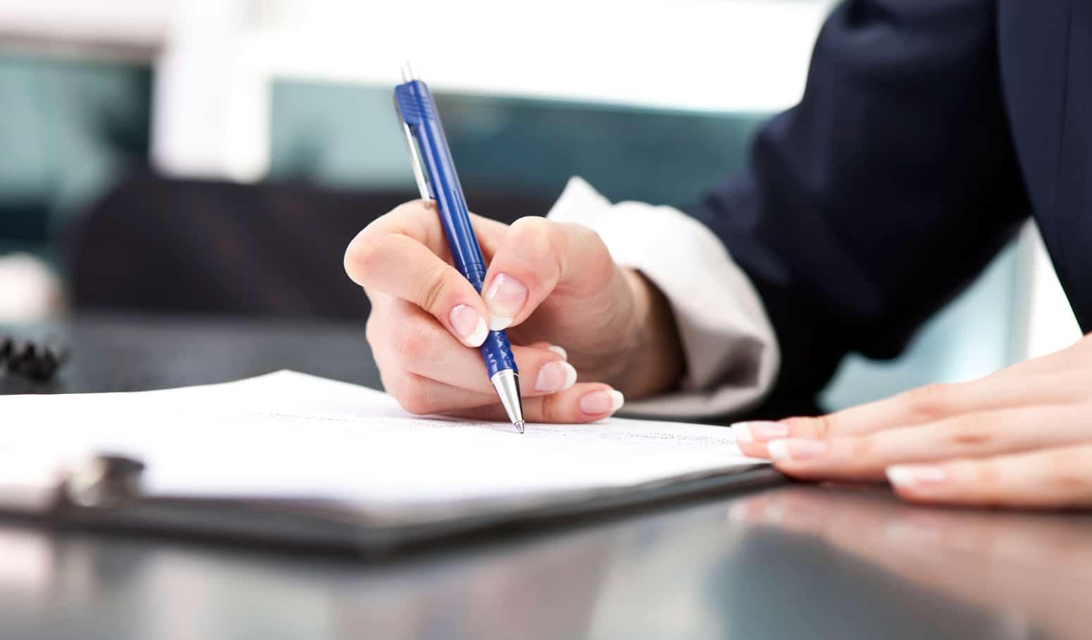 Signature de l'acte de transfert de siège social